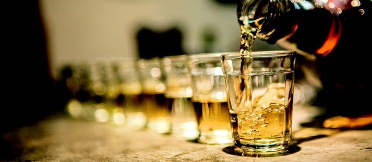 Coquetel camomila tea com Whisky